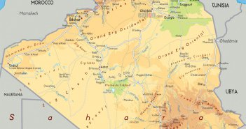 physical road map of algeria